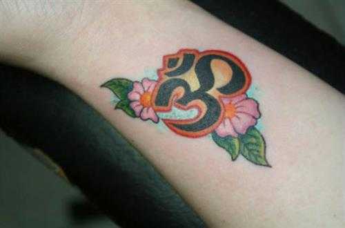 lucky 39 s tattoo piercing tattooing piercing