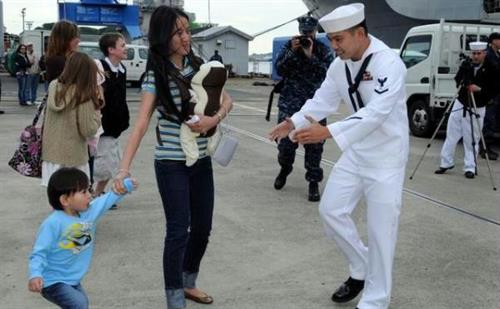 Gallery Image military_arrival_family.JPG