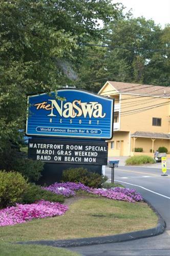 Naswa Resort On The Water Motel Family Bar Pub