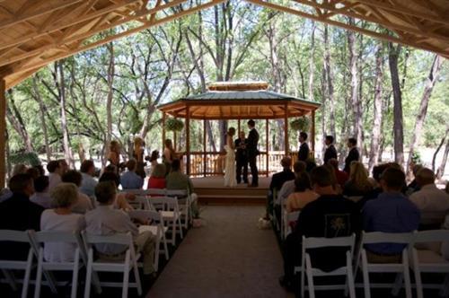 A Beautiful Sunday Morning Wedding
