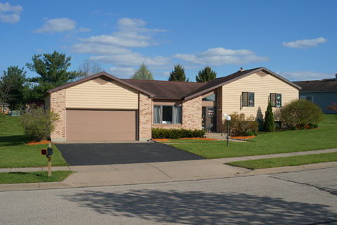 House Type H - Split Level, 3 BR, 2 BA, 2 Car Garage, 1348 sq. ft.