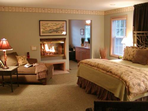 Creekside Suite in Main Lodge - Main Floor with 2-sided fireplace