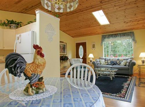 Gallery Image morning_dove_kitchen_735.jpg