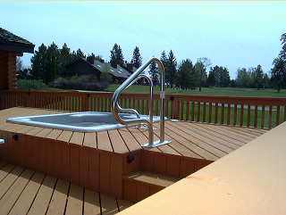 Chalet Deck/ Hot tub