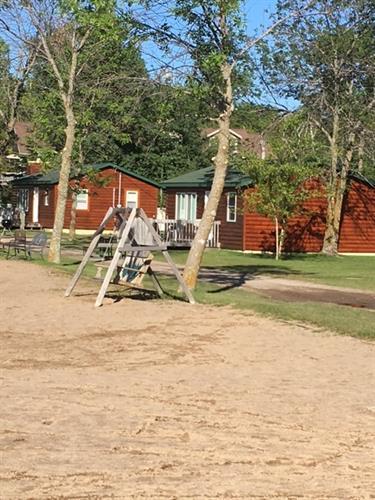 Gallery Image 3_cabins.jpg