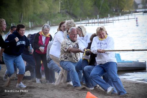 Gallery Image Tug_of_War_2.JPG