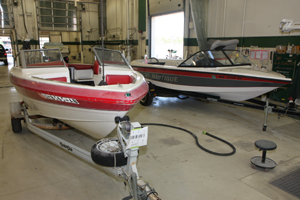 We do fiberglass, aluminum and gel coat boat repair!