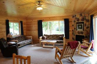 Inside Reunion Lodge 19 - Living room!
