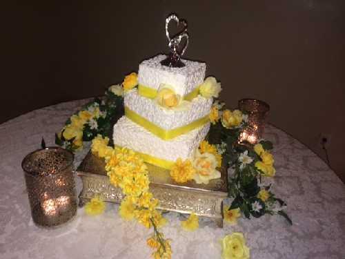 Gallery Image Cake_Yellow_Small.jpg