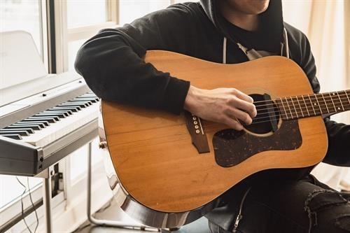 We have guitar lessons available through Leaps and Bounds Music!! Check out https://www.northstar-tutors.com/music for more information!