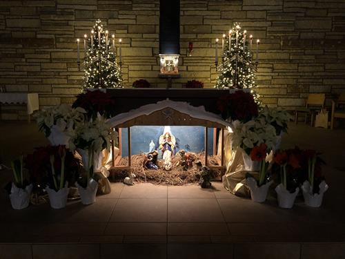 Gallery Image Christmas_Creche_at_St._Agnes_2018.jpg