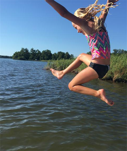 Gallery Image pikedale_girl-jumping.png