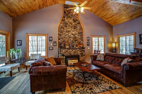 Gallery Image Main_floor_living_chimney_2.jpg