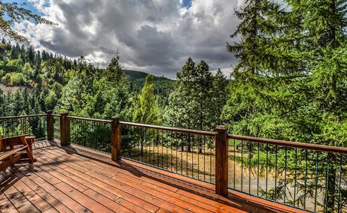 Gallery Image house-deck-woods.jpg