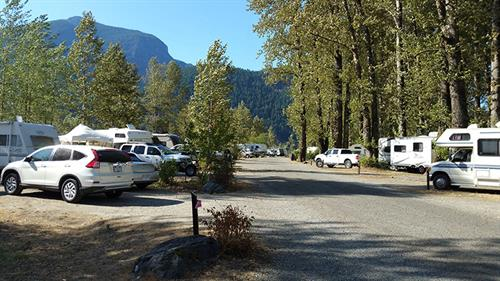 35 site campground on the scenic Harrison and Fraser rivers.