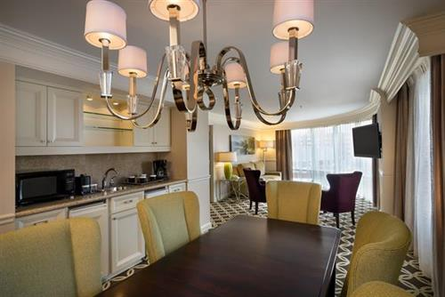 Gallery Image Presidential_Suite-_Dining_Area.jpg