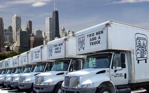 Gallery Image tmt_Trucks_and_Chicago_Skyline.jpg