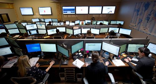 Stratosphere Networks' network operations center provides a full team of experts and certified engineers who work together for an efficient resolution.