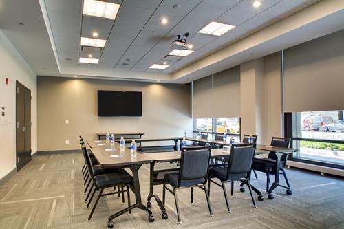 Meeting Room 1 (~700 sq. ft)