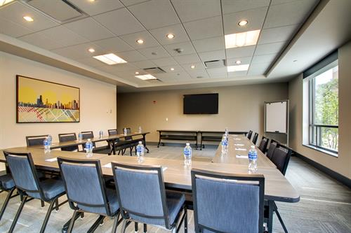 Meeting Room 2 (~530 sq. ft)