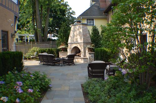 Backyard Bluestone Patio