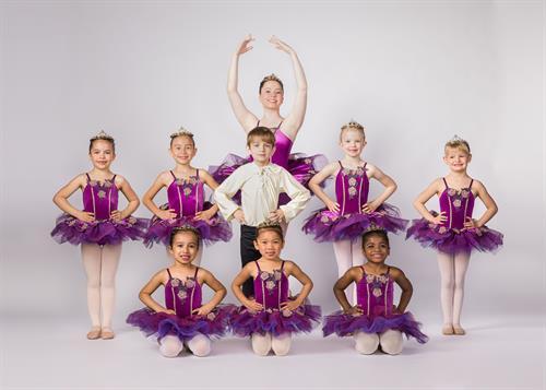 Gallery Image 2019-5-18-Chicago-ballet-arts0269-Edit.jpg