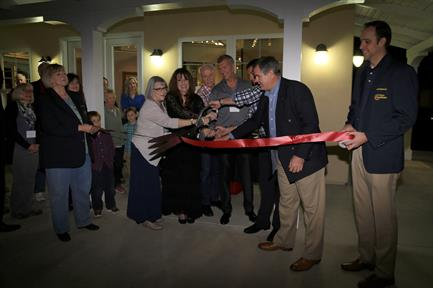 Ribbon Cutting for Grand Opening of Illume Gallery St George