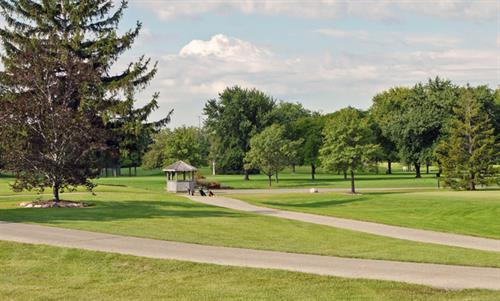LAKE BLUFF GOLF COURSE AND RECREATION CENTER