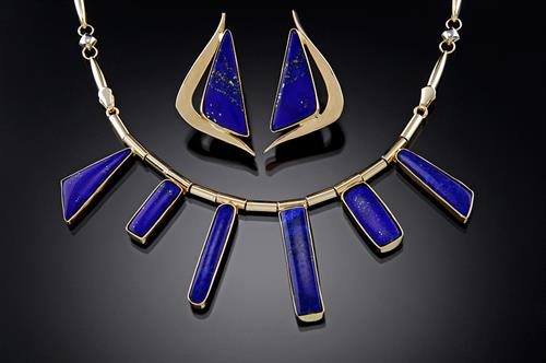 Lapis Lazuli necklace and earrings in 14K gold