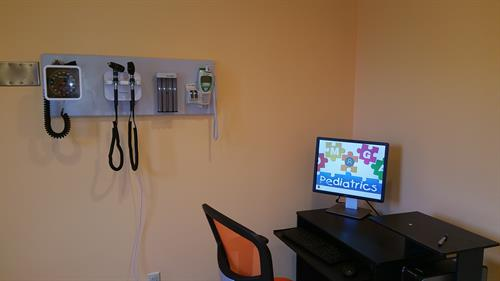 Another patient room Inside Omega Pediatrics at Roswell opposite North Fulton Hospital