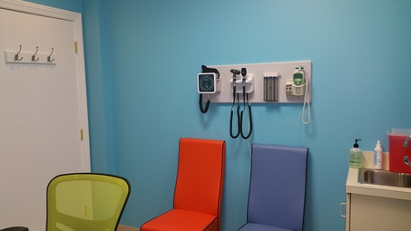 Patient room Inside Omega Pediatrics at Roswell opposite North Fulton Hospital