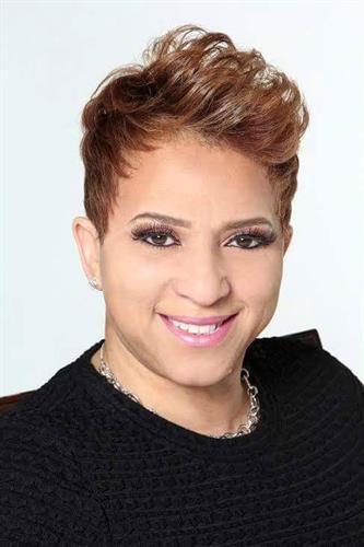 Maxine Cain - Professional Profile Picture - 2