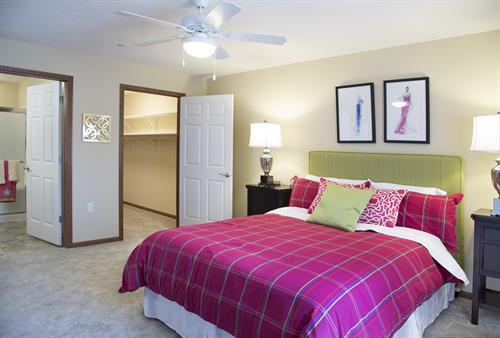 Gallery Image bedroom.jpg