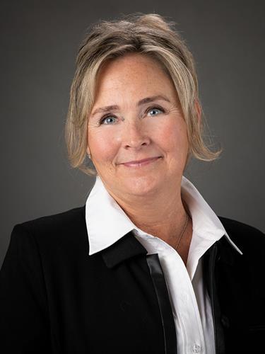 Gallery Image Professional-Headshots-for-older-women-in-Colorado-Springs.jpg