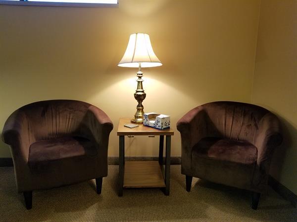 Gallery Image lamplight_photo1.jpg