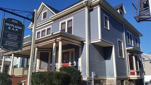 Custom Mastic Carvedwood 44 Vinyl Siding on Historic Home, New Bedford, MA