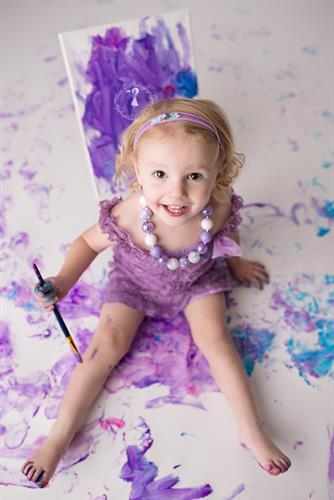 Gallery Image New-Bedford-Babies-Children-Families-paint-session-080.jpg