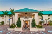 Days Inn & Suites by Wyndham Lake Okeechobee