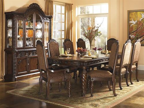 Classic Dining Elegance