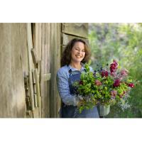 Create a Gorgeous Floral Arrangement