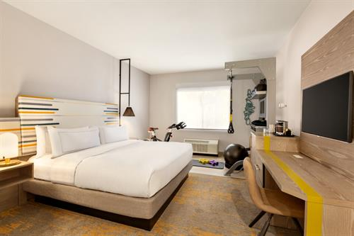 5 Feet to Fitness Guestroom