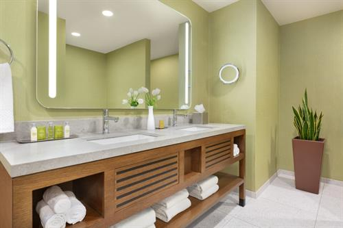 Jr. Suite Bathroom w/ Dual Sinks