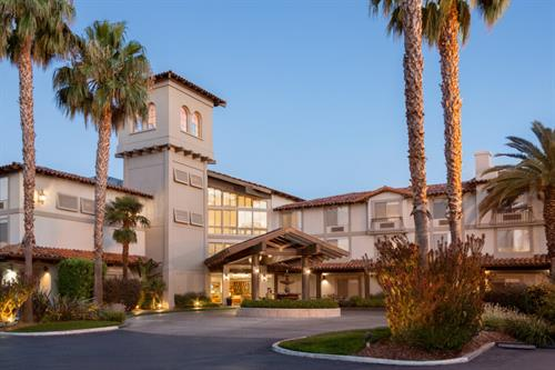 DoubleTree by Hilton Campbell - Entrance