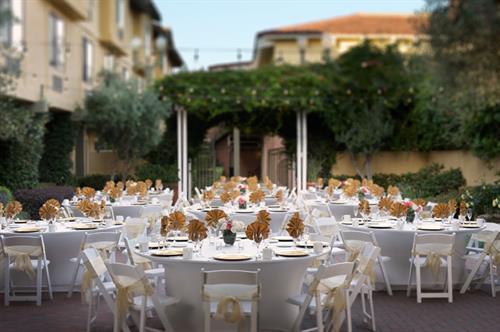 Outdoor Garden Terrace - Banquet Style