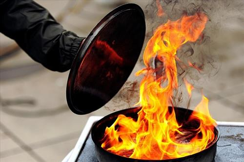 Put a lid on grease fires