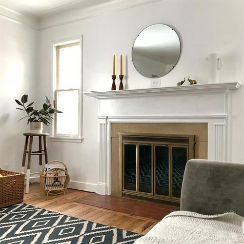 Gallery Image house-interor-fireplace.jpg