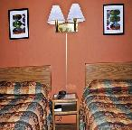 Gallery Image thumb_1392082558_two_bed_queen_5-crop.JPG