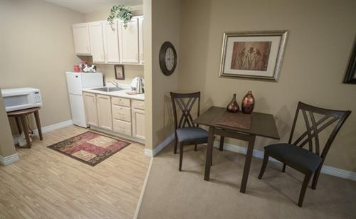 1 Bedroom Kitchenette