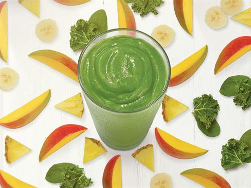 Island Green: Mango, pineapple, banana, spinach, kale, turbinado