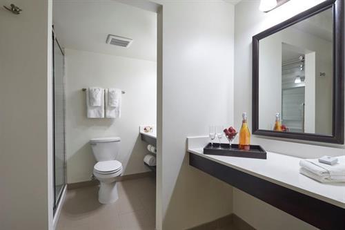 Gallery Image Bathroom_2.jpg